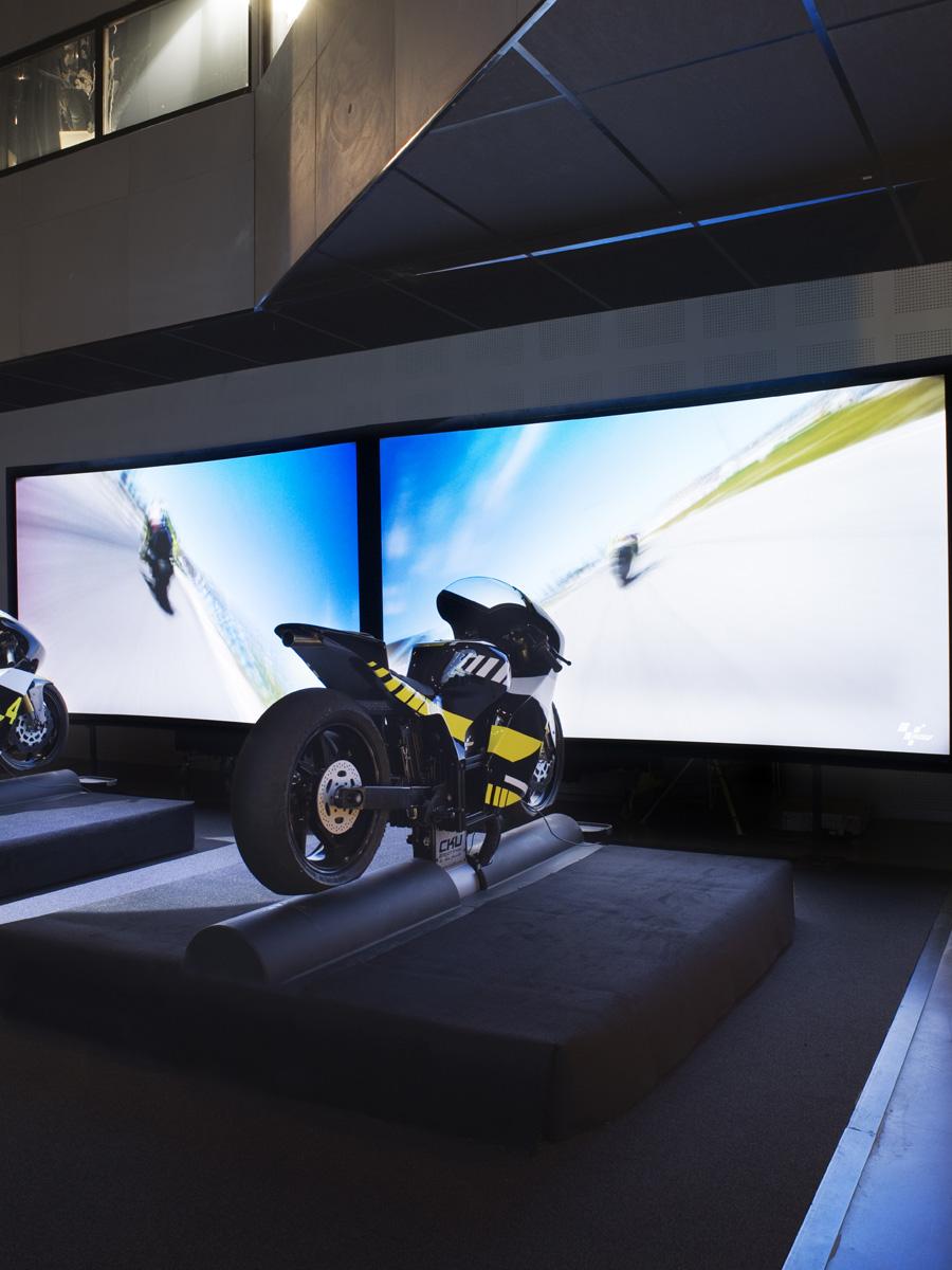 Piloter moto course I-WAY Lyon