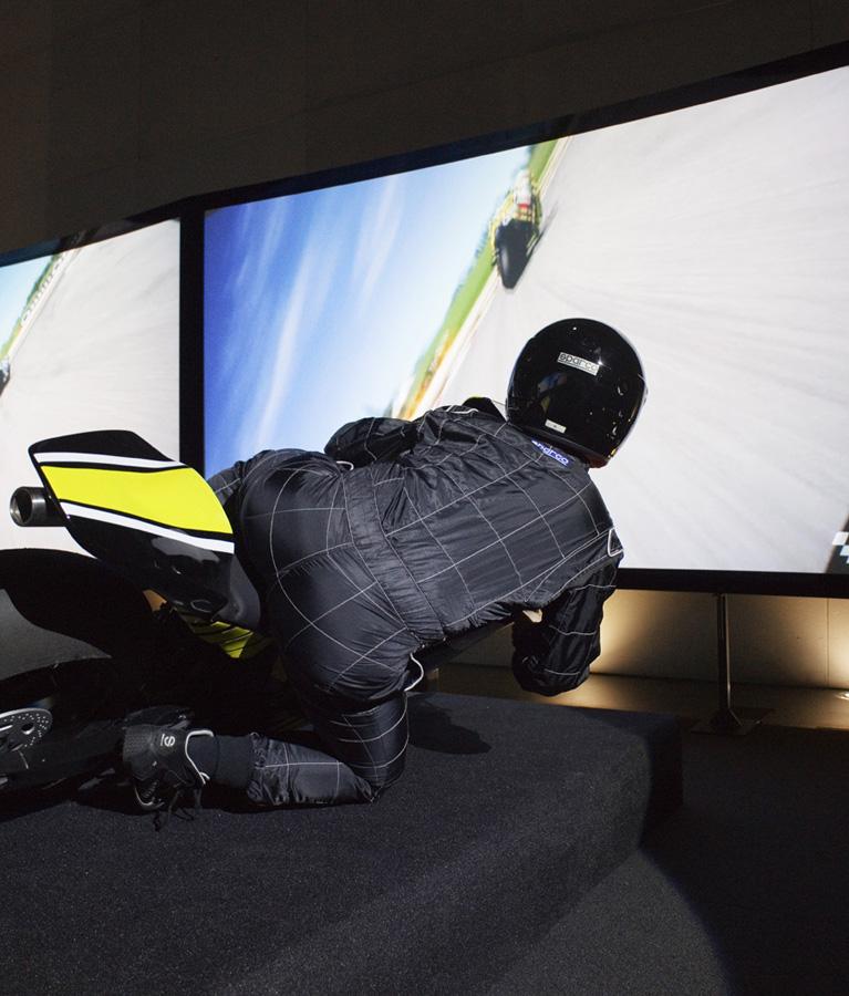 Simulateur Moto GP - Une inclinaison latérale de 60°